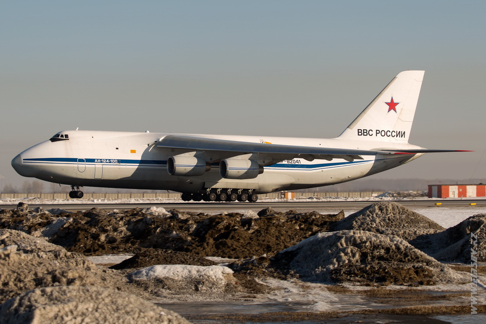 An-124_RF-82041_Air_Force_RU_3_OVB.JPG