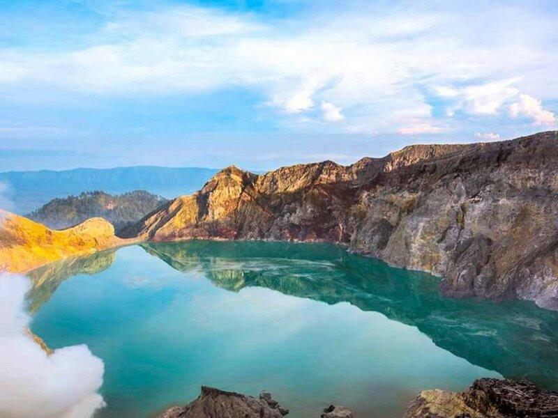 Озеро Иджен