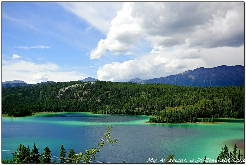 Изумрудное озеро Юкона