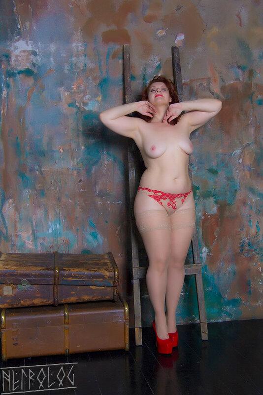 tallin-foto-erotika-hd-porno-lesbiyanki-v-lifte