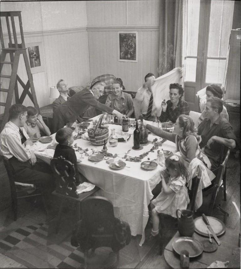 1947. Семейный ужин. Париж