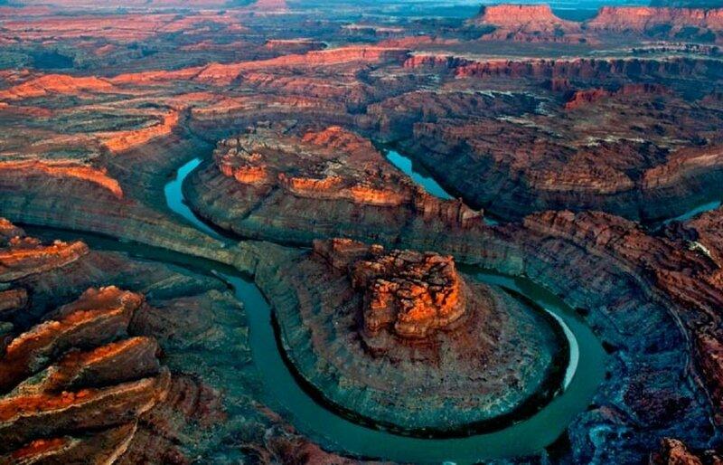 colorado-river-loop700x450.jpg