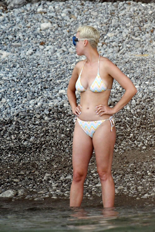 Кэти Перри в бикини