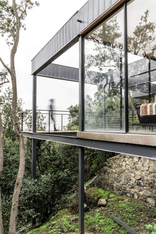 Семейный дом на склоне в Чили