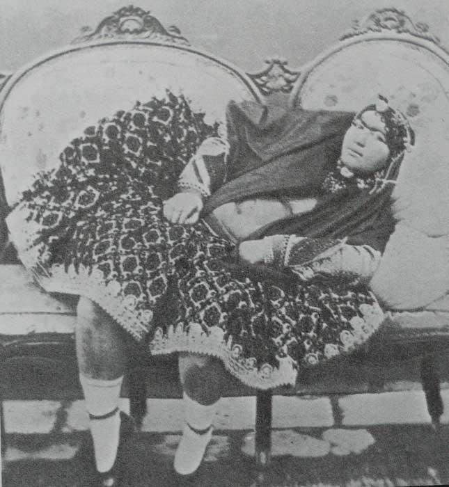 10. Худобой обитательницы гарема не страдали. По фотографиям можно судить о вкусах иранского монарха