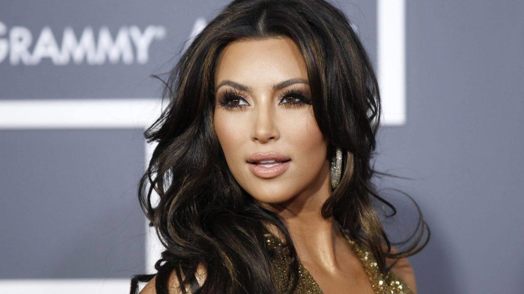 Ким Кардашьян Еще до того как Ким прославилась своим «секс-видео», она была просто 14-летней девстве