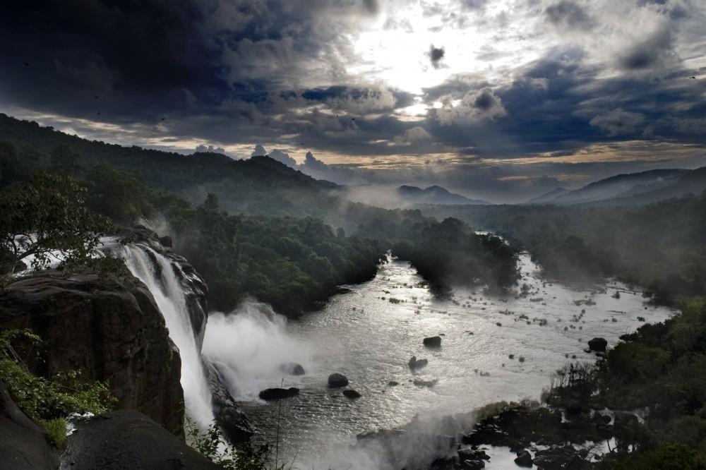 14. Водопад Атирапилли.
