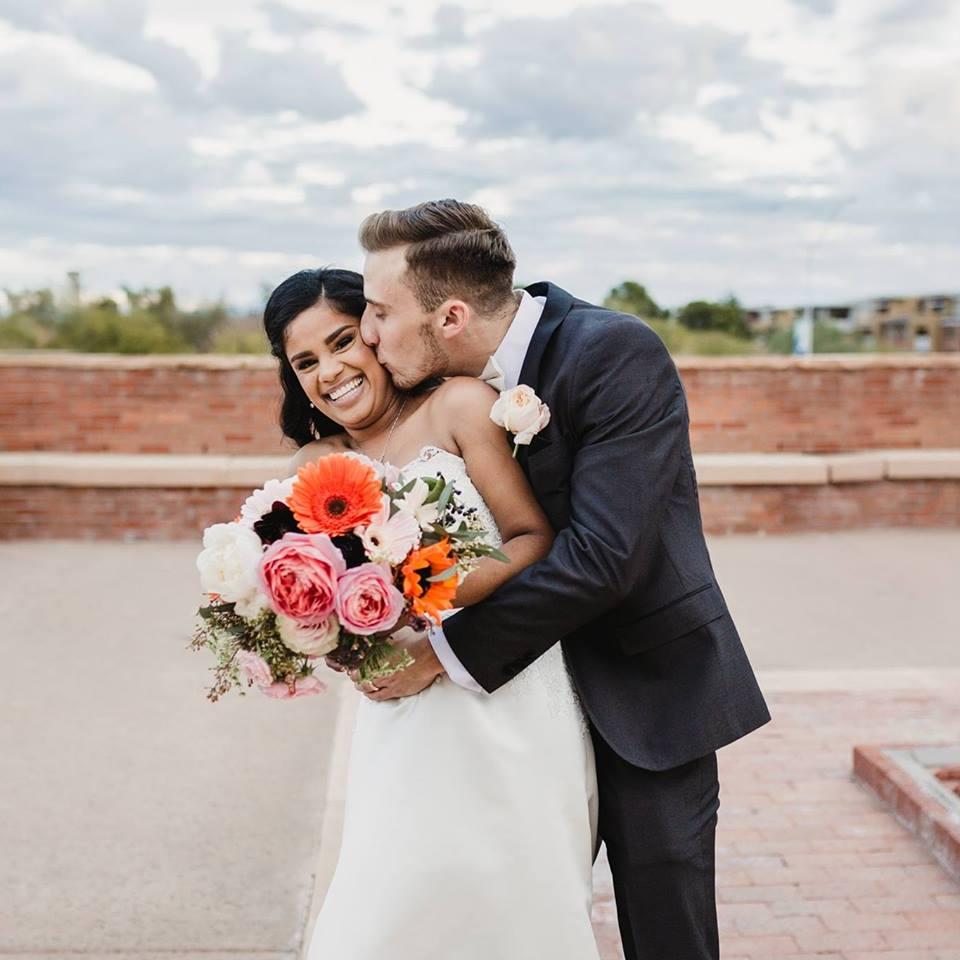 И в декабре 2016 года пара поженилась.