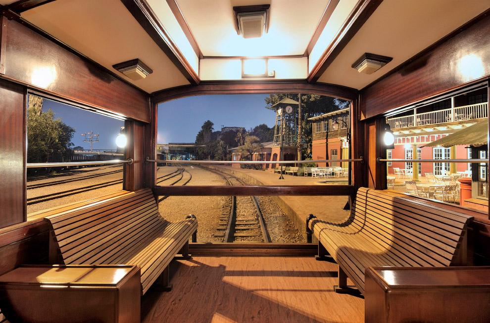 В 1989 году после реставрации Rovos Rail совершил свое первое путешествие. В одну поездку поезд