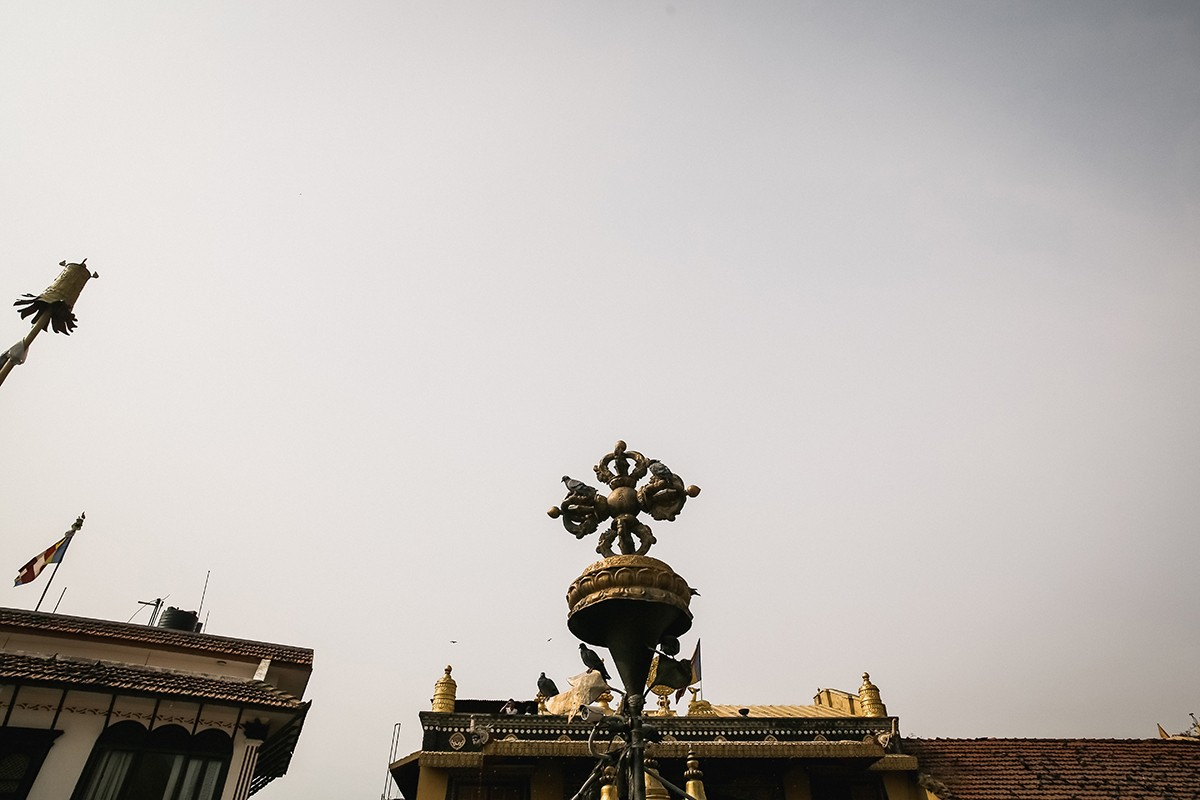 48. Скрещенные ваджры — это символ совершенной неразрушимости ума и совершенной, спонтанной мудрой а