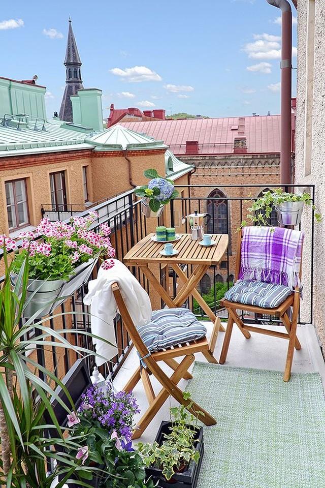 24. Интерьер маленького балкона
