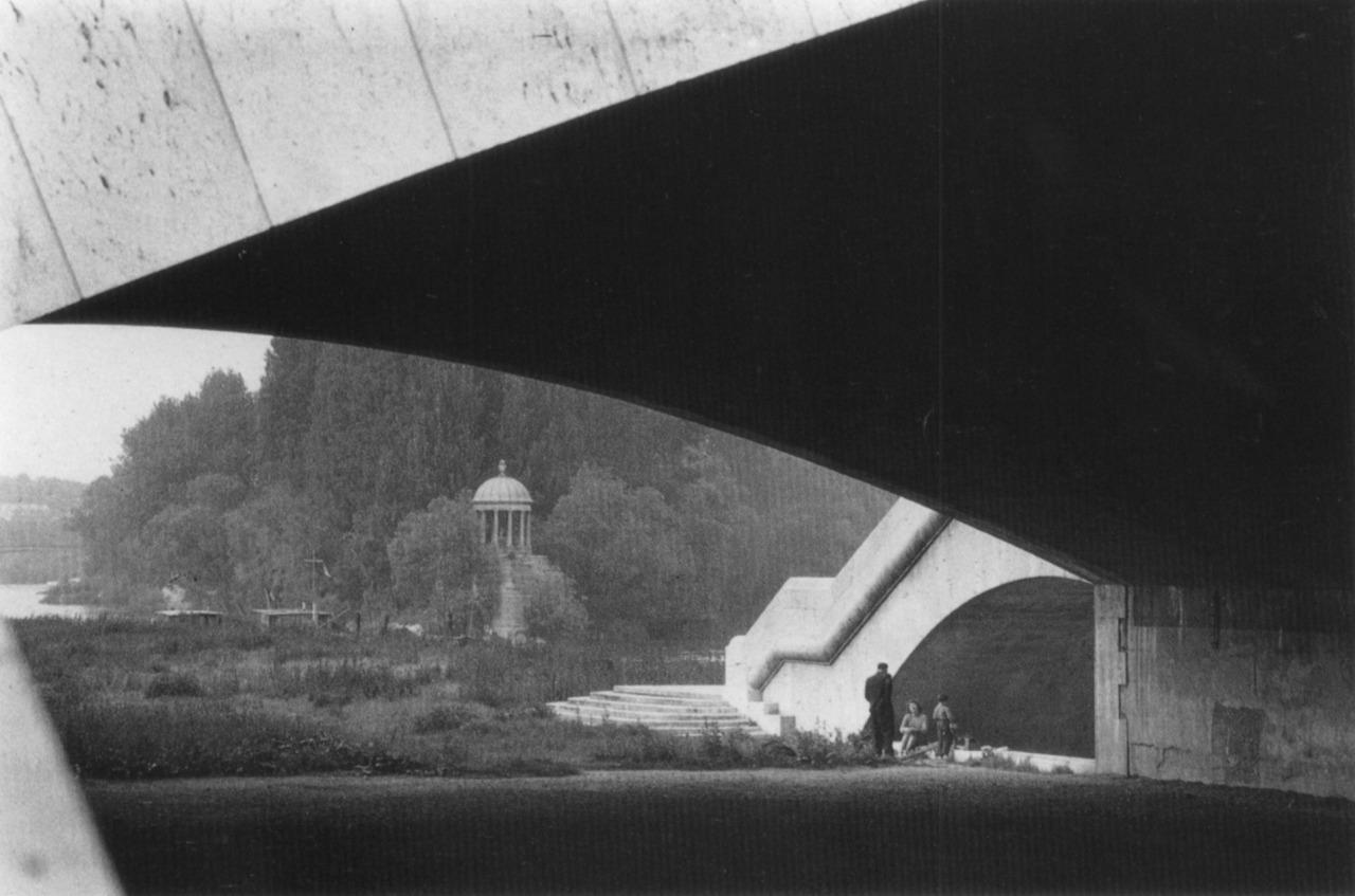 1955. Остров Гранд-Жатт, Париж
