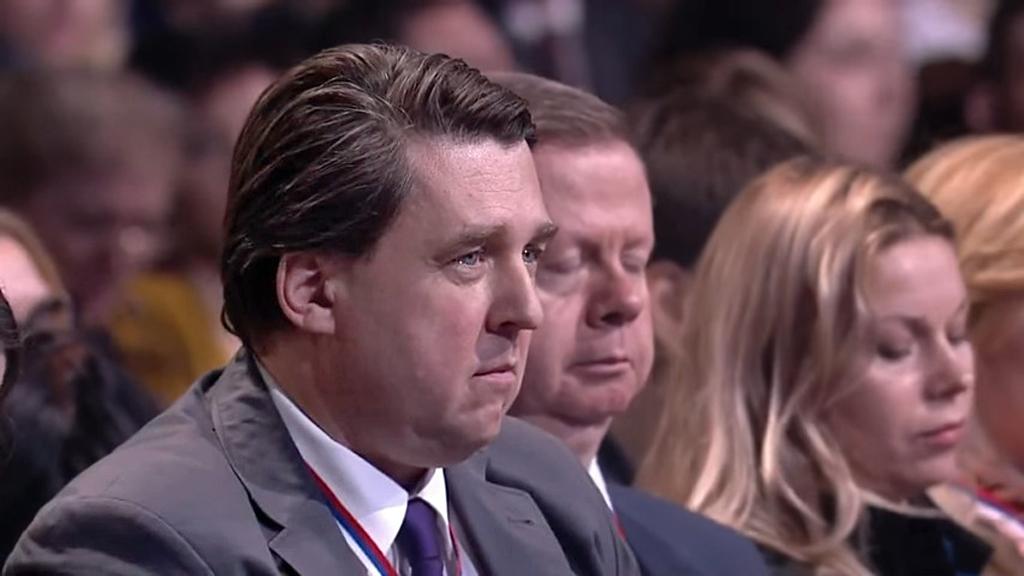 Антон Верницкий слушает ответ на его вопрос к Президенту В. Путину О проблемах экономики в связи с Крымом и узнаёт, что дело не в Крыме, а во врагах России. 18 декабря 2014 года