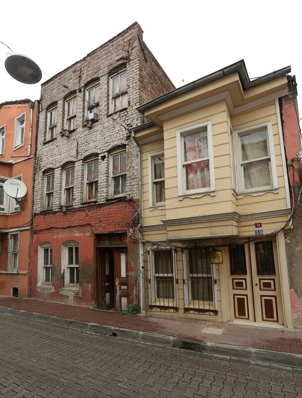 Стамбул. Улица Шесваш-бея (Şehsuvar Bey Sokak)
