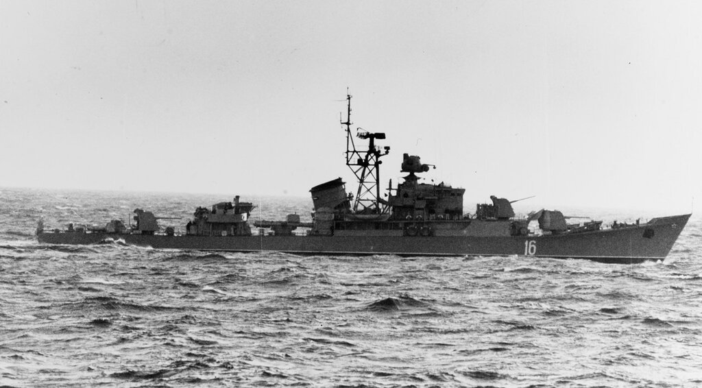 Riga-class ocean escort in the Baltic Sea. Soviet ship at sea, photographed circa 1965. Ship is wearing pennant number 16.