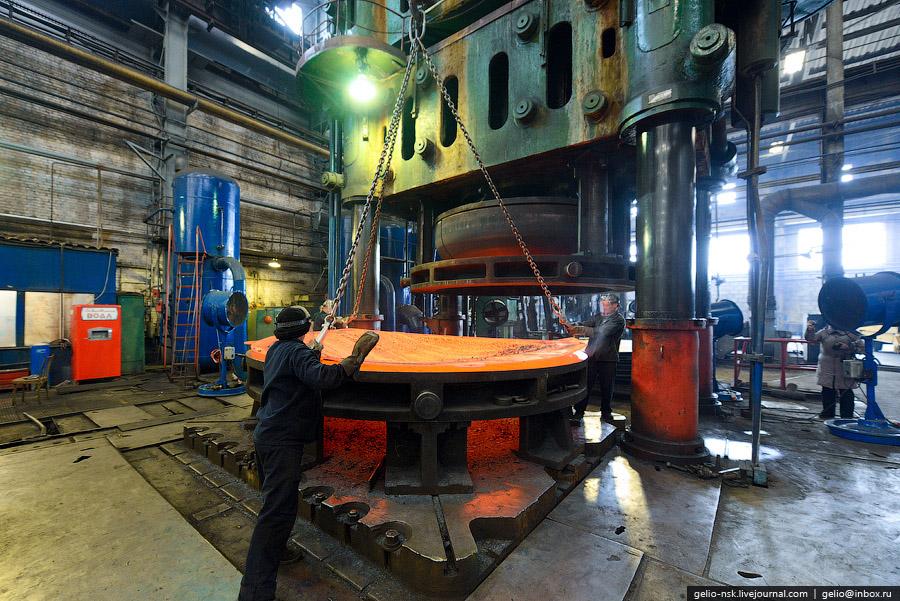 На котельных агрегатах с маркой БКЗ вырабатывается около 25% электрической и 40% тепловой энерг
