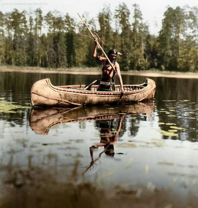 Коренной житель Америки на рыбалке. Миннесота, 1908 год.