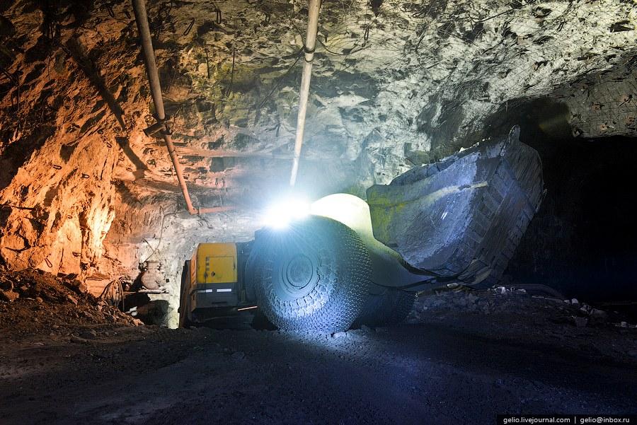 Температура в руднике значительно выше чем на поверхности и может превышать 30 градусов тепла з