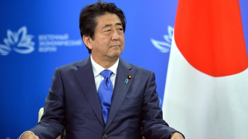 Абэ иМакрон сообщили о значимости разговора сРоссией