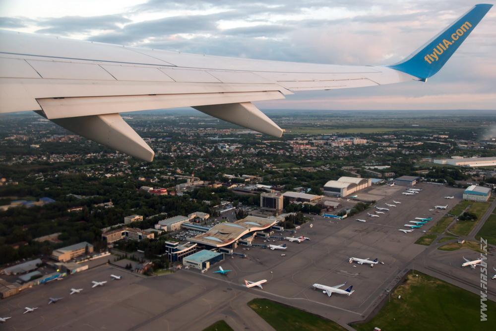 B-737_UR-PSD_Ukraine_International_Airlines_5_ALA_ .JPG