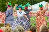 """Конкурс шляпок с цветами. Танец """"колокольчиков"""""""