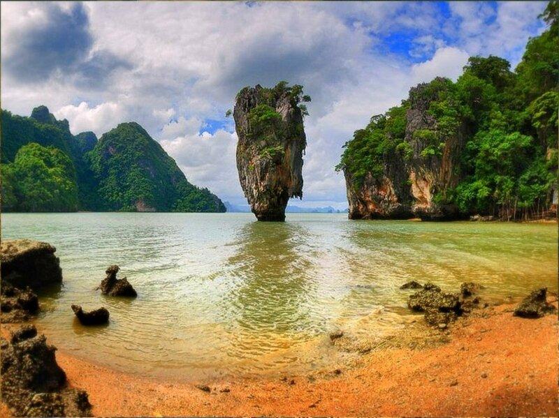 В заливе Пханг Нга. Андаманское море. Таиланд .jpg