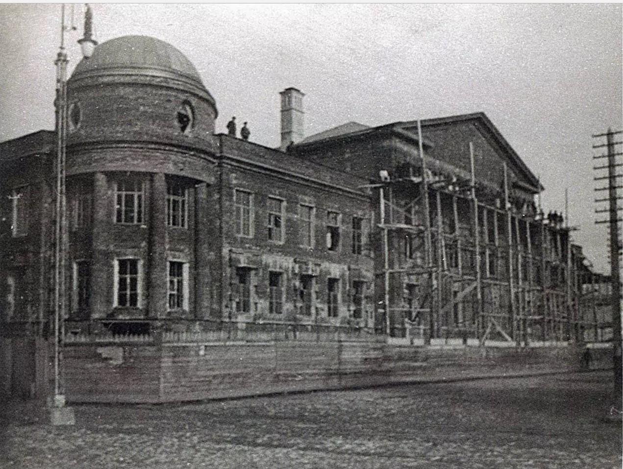 Завершение строительства здания губернской земской управы. 1917