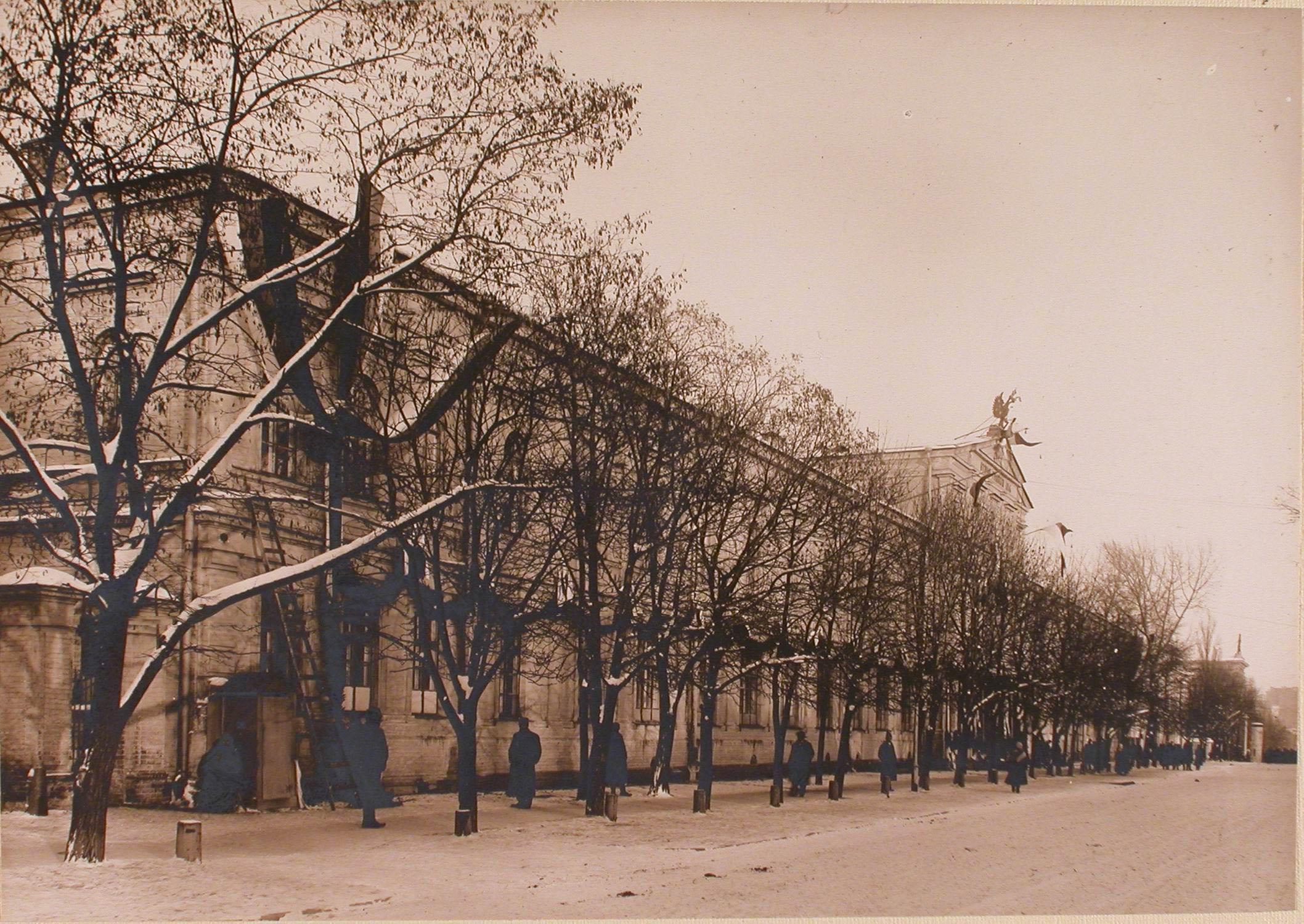 29. Общий вид здания 2-й гимназии, где размещался госпиталь №5