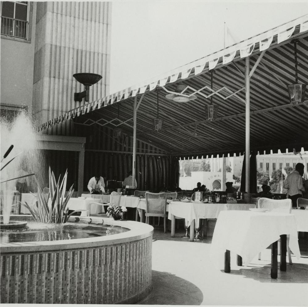 Ресторан на крыше павильона