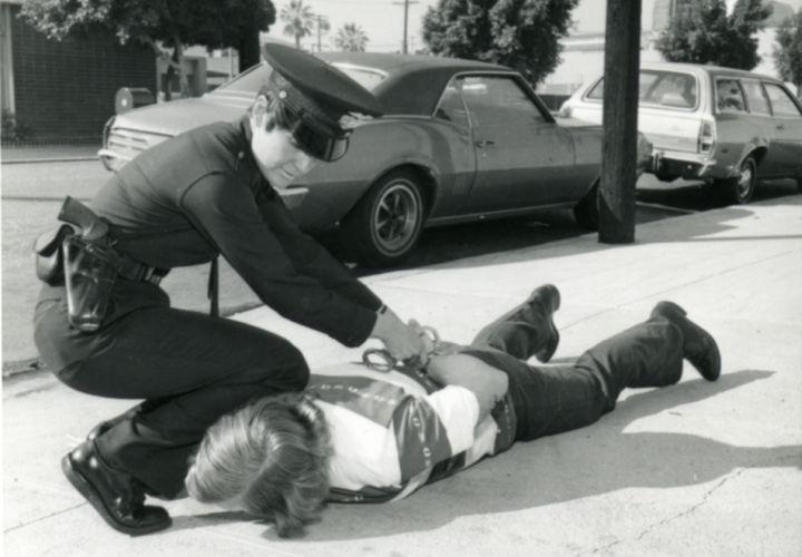 L-policewoman5-lapd.jpg