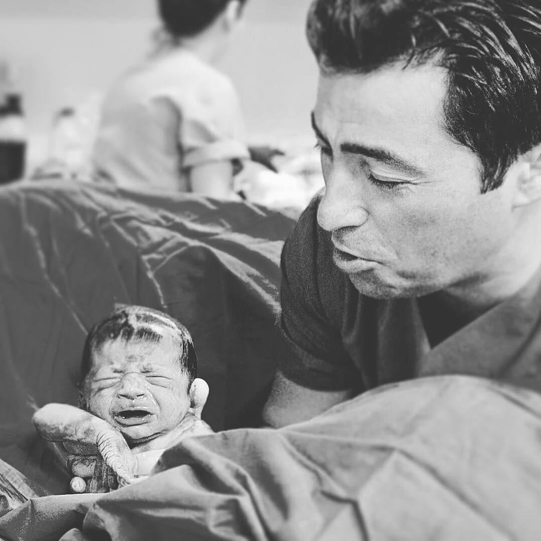 Не забывайте об отцах: трогательные фото пап с детьми