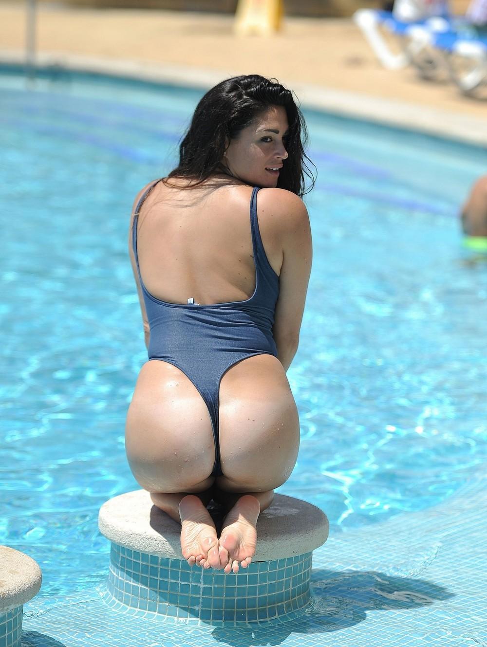 Кейси Батчелор в купальнике