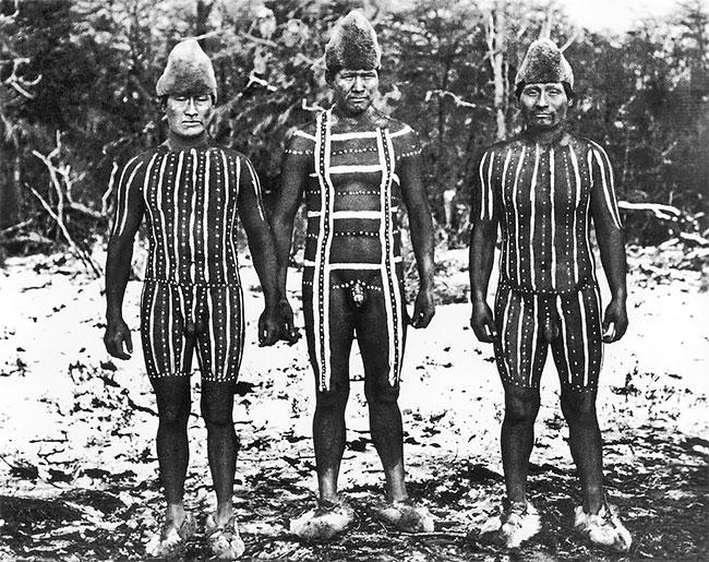 Селькнамы: исчезнувший народ Огненной Земли в редких фотографиях (10 фото)
