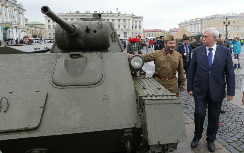 20170807_17-42-Выставка военной техники на Дворцовой площади продлится 5 дней-pic2
