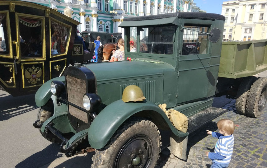 20170808_16-55-Военная техника прибыла на Дворцовую площадь~pic02