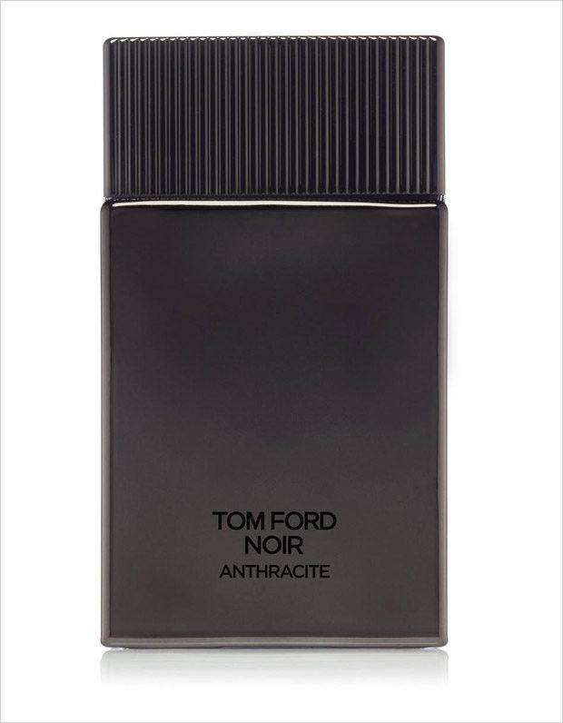 Jon Kortajarena is the Face of Tom Ford Noir Anthracite Fragrance 2017