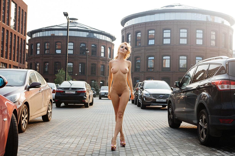 обнаженный траффик - Наталия Андреева / Natalia Andreeva nude by Alexander Prishchepov - Volo Magazine september 2016