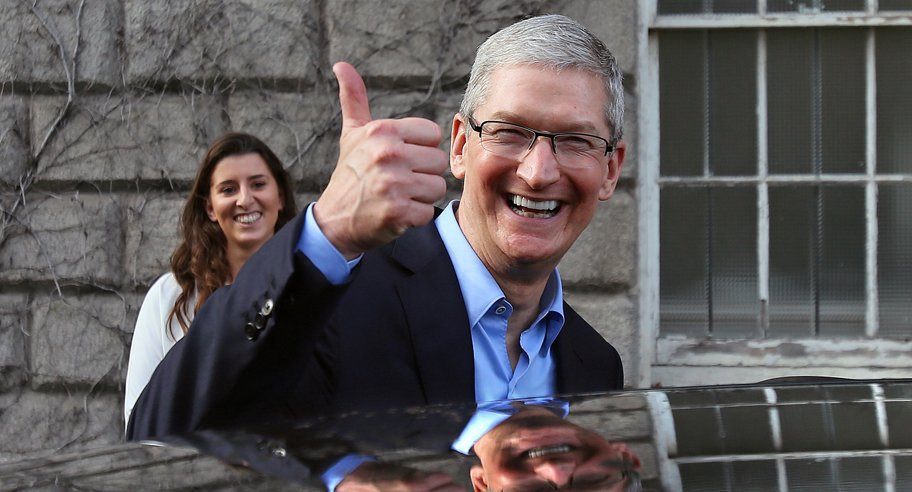 Тим Кук продал все свои акции Apple. iPhone 8 обречен на провал.jpg