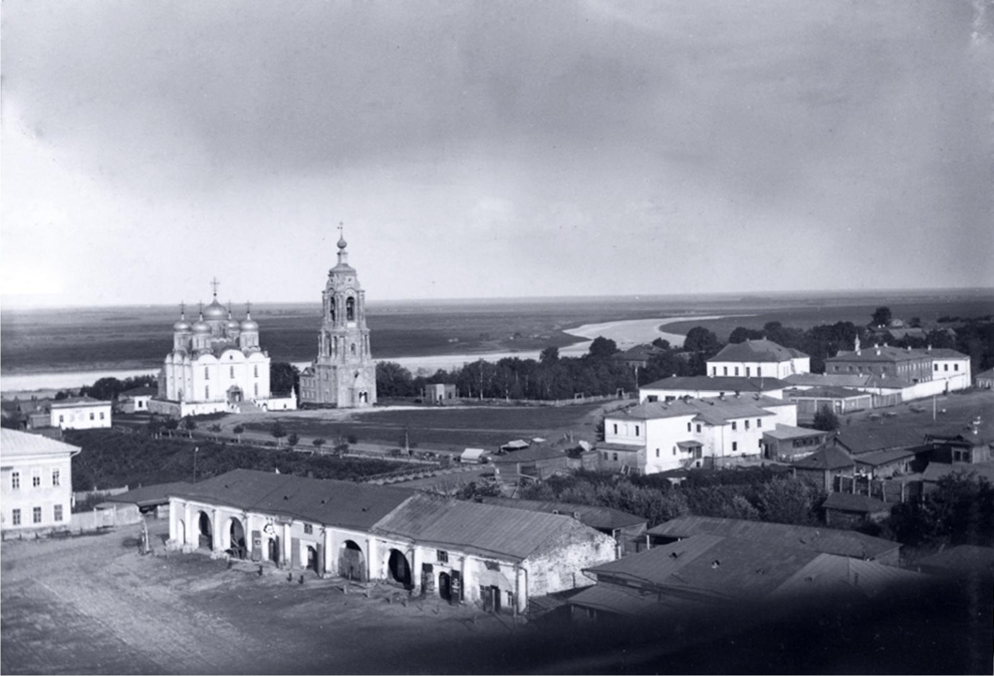 Вид на Оку, собор Рождества Богородицы и торговые ряды. 1890-е