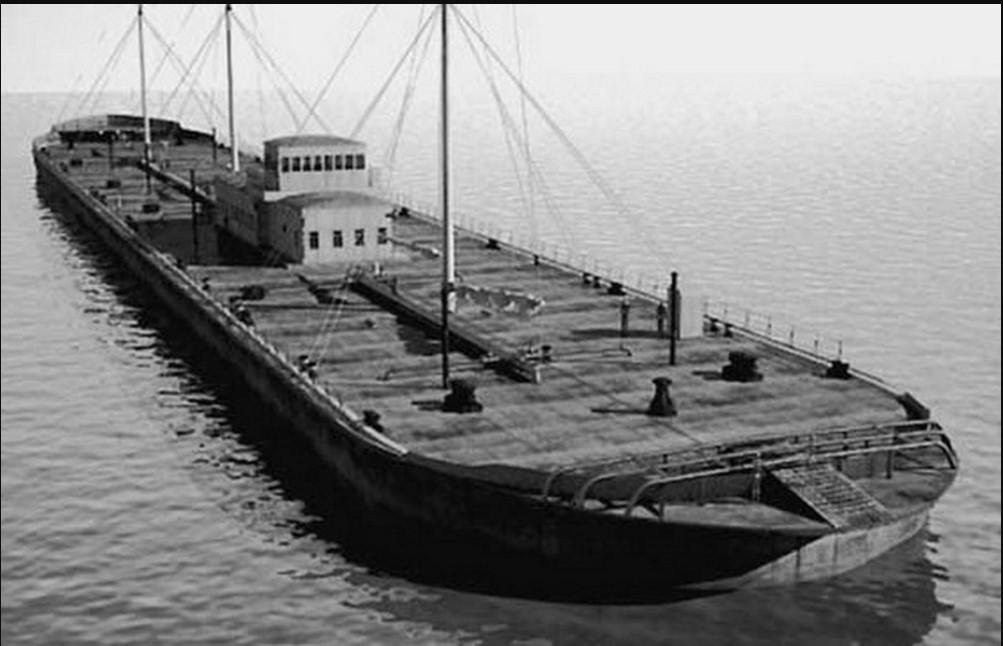 Крупнейшая в мире нефтеналивная баржа Марфа Посадница