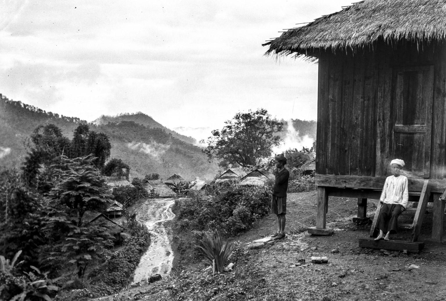 880. Горный пейзаж с деревянной хижиной