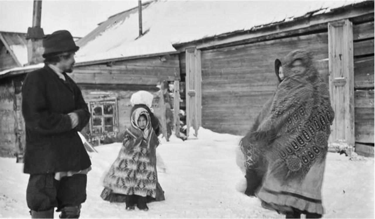 Самоед Фёдор Васкин и его семья, а также мать Алексея Олджигина