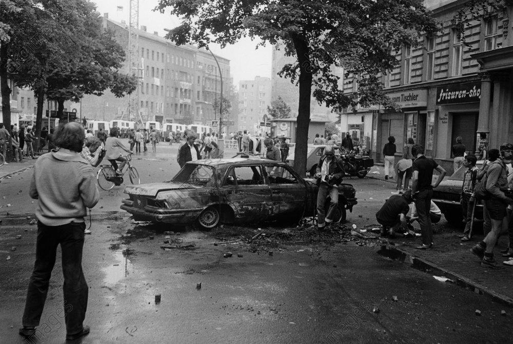 Berlin, Demo gegen Nato-Rьstung/Foto - -