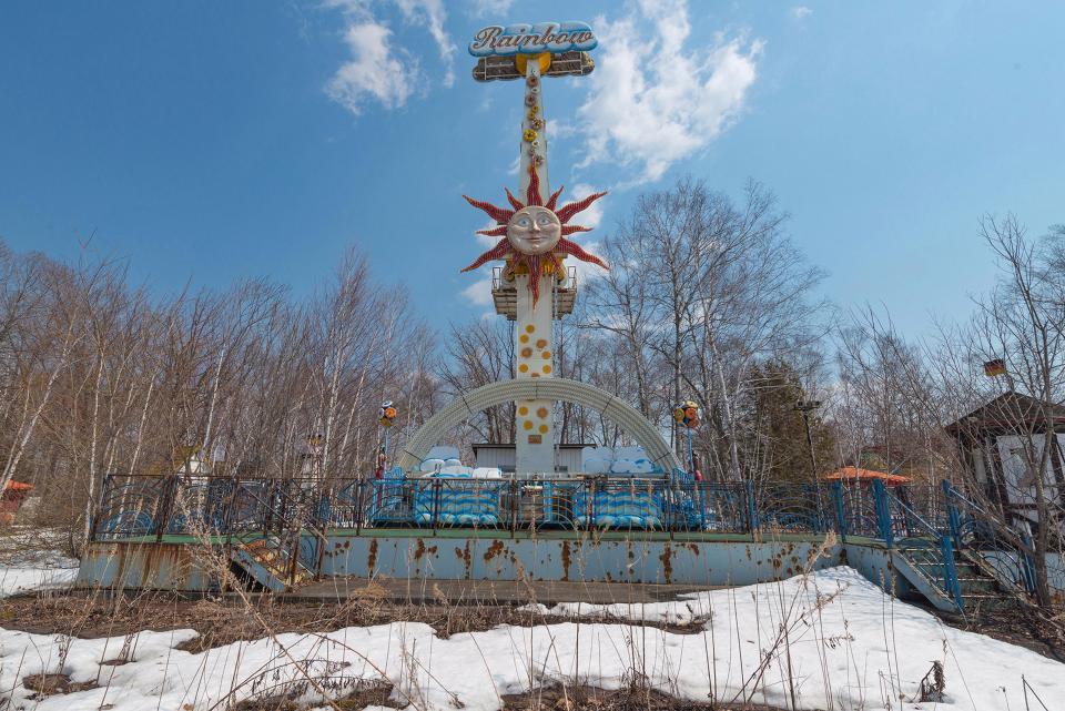 Заброшенный парк аттракционов в Японии