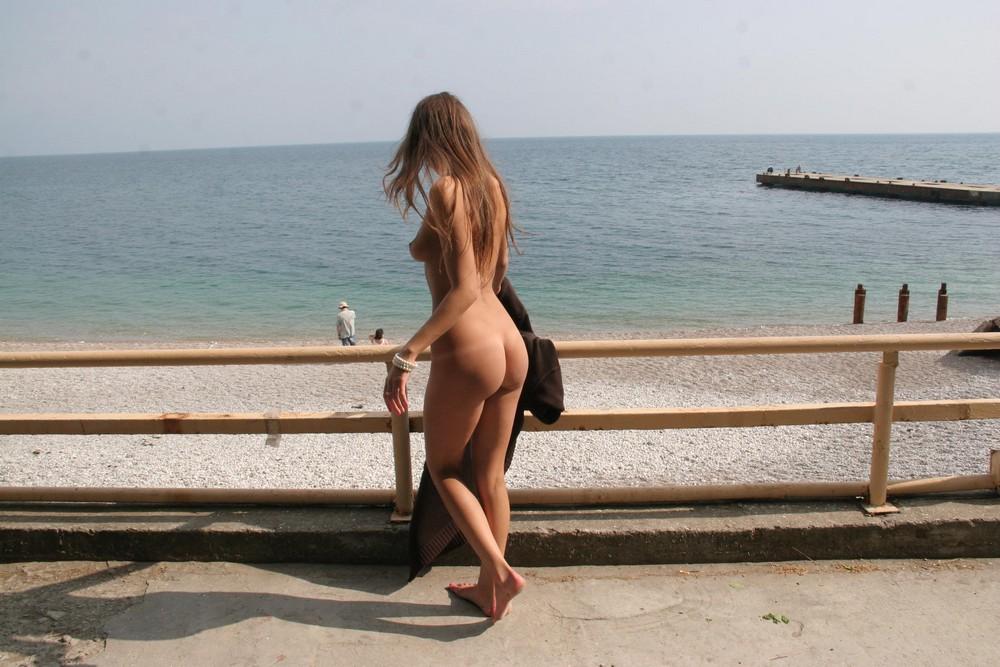 Мария Рябушкина на пляже Черного моря