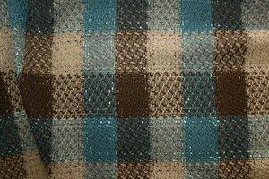 Ит860 Остаток 1,0м 550руб-м Пальтово-костюмная ткань , ткань приятная,теплая, не рыхлая,фактурная,для жилетов,пальто,теплых юбок, для комбинирования с другими тканями,ширина 1,50м,шерсть 40%,пэ 60%