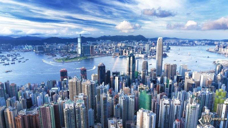 Свобода вероисповедания гарантирована основным законом Гонконга. Здесь проживают представители разли