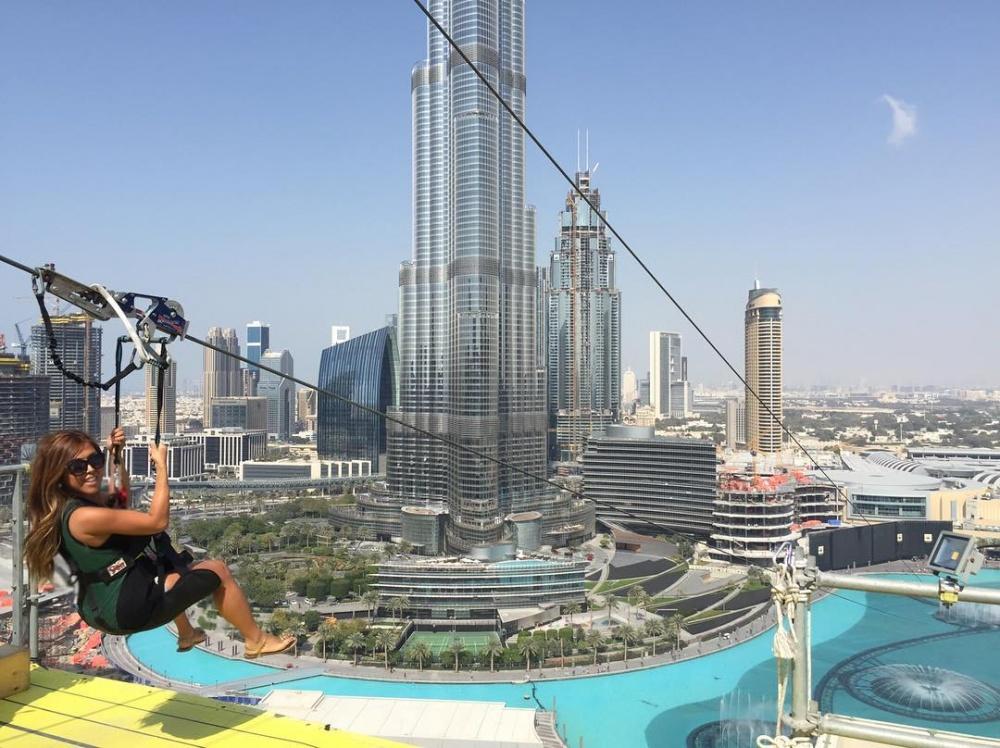 Zip Line вДубае позволяет прокатиться поканатной дороге между двумя небоскребами прямо над