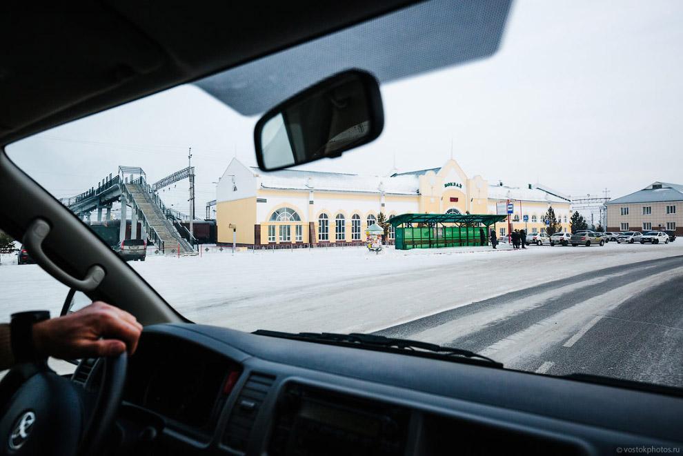 3. Летом 1941 года в город начали прибывать эвакуируемые предприятия с западных рубежей СССР. З