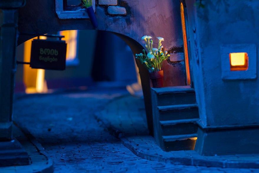 Потребовалось 1984 часа, чтобы создать этот милый маленький город для хомяков